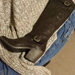 Knee-high brown boots size 7.5